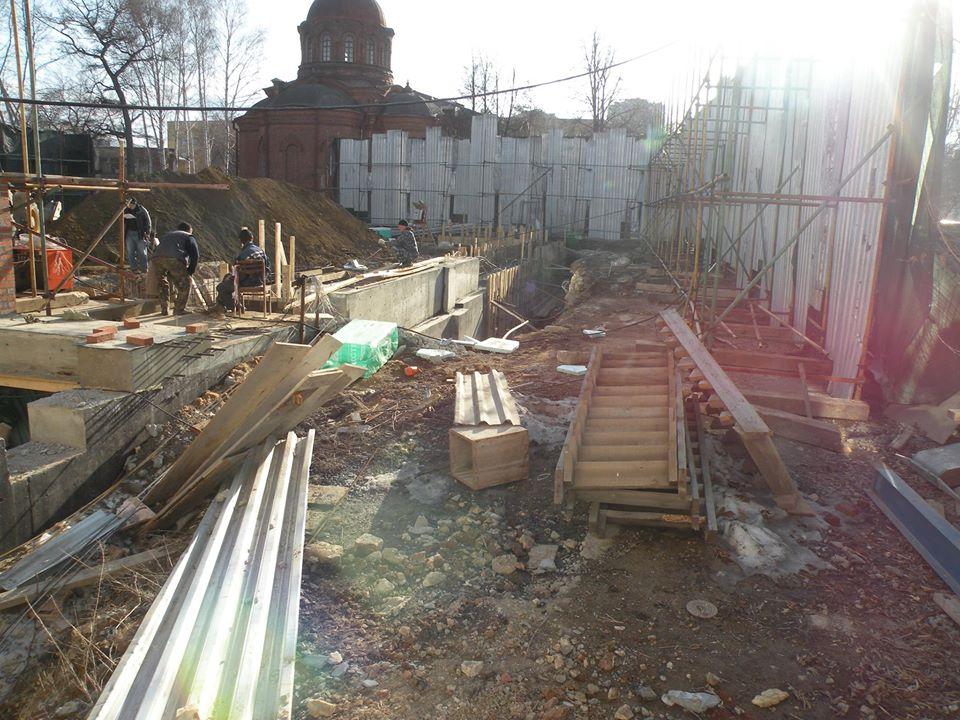 В Екатеринбурге накануне Пасхи снесли Успенскую церковь XVIII века (ФОТО)