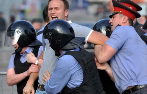 Задержание Алексея Навального на болотной площади 6 мая